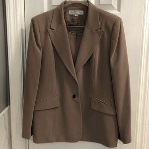 Tahari suit jacket and skirt business attire